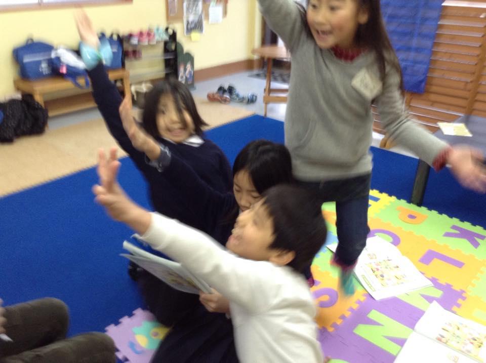 熊本市の子ども英会話教室エンデバーの授業風景