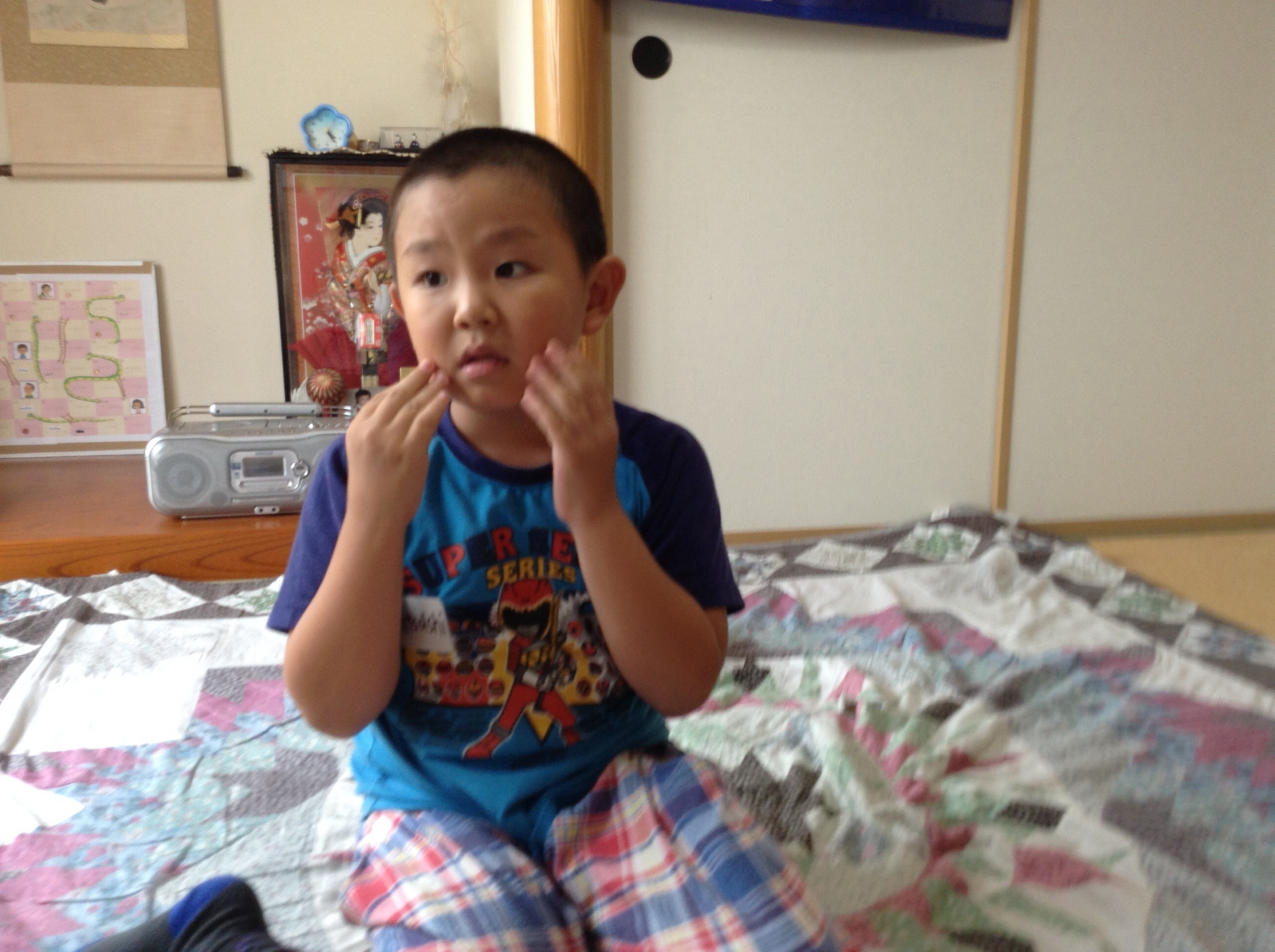 顔の表情。。なかなかの演技✧*。(ˊᗜˋ*)✧*。|子ども英会話教室エンデバー通信9月3日